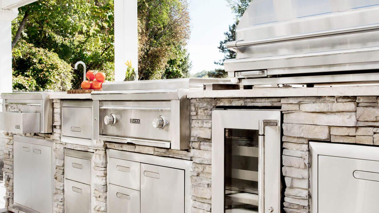 built in outdoor kitchens